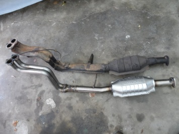 Alfa Romeo Spider catalytic converter and downpipe - one piece unit.